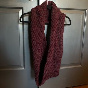 Old Navy Infinity Open Weave Scarf In Eggplant